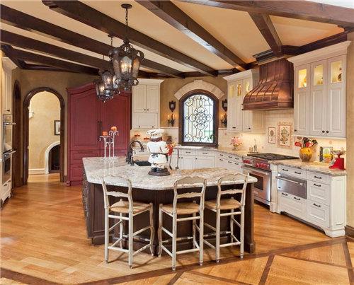 欧式古典厨房装修让你的家具惊艳观感