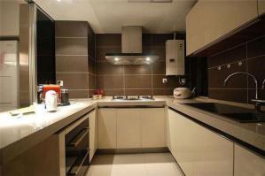 简约现代厨房间橱柜