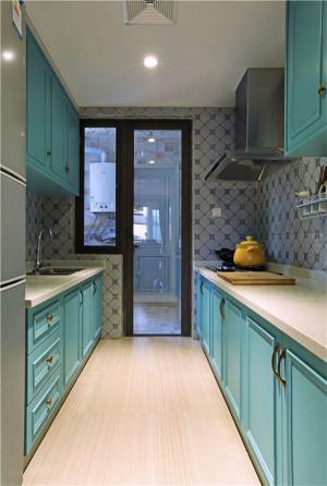 彩色厨房整体橱柜
