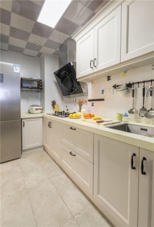 厨房间橱柜高度