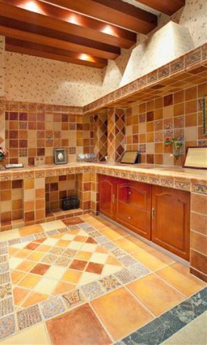 瓷砖厨柜厨房装修
