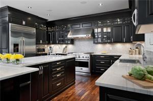 黑色实木厨房整体橱柜