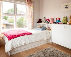 儿童房吊顶效果图板材家具