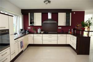 瓷砖厨柜地板图片