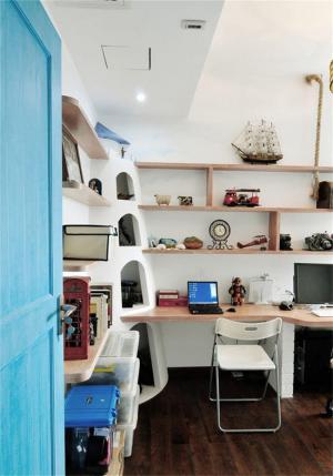 简约书桌家具图片