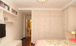 卧室整体衣柜组合