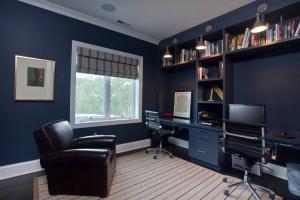 深色系现代简约书房装修效