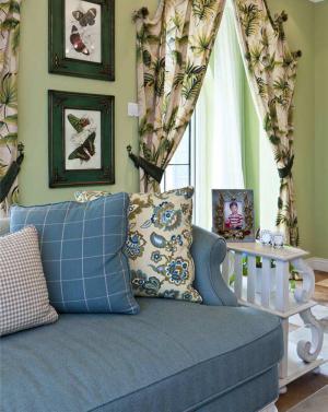 现代小户型客厅沙发