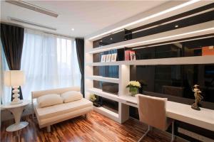 家居现代简约书房装修效果