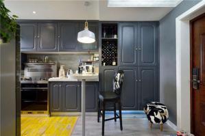 深灰色漂亮的橱柜