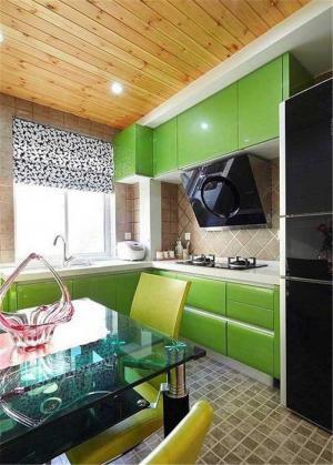 草绿色橱柜颜色搭配